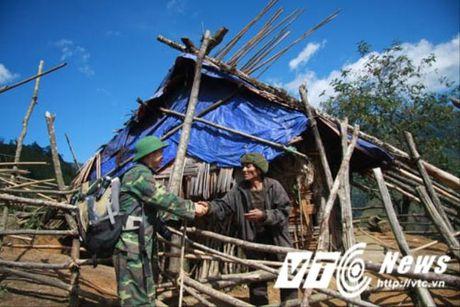 Hanh trinh di tim vo chong 'nguoi rung' dung 'lo cot' song tren may xanh - Anh 2