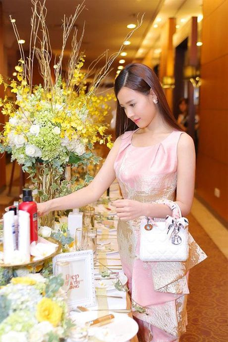 Sau khi chia tay Phan Thanh, Midu tan huong cuoc song vi vu sang chanh the nay day - Anh 6
