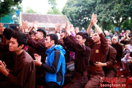 Gan 200 vo sinh mon phai Phat Quang Quyen thi len dai tai Nghe An - Anh 1