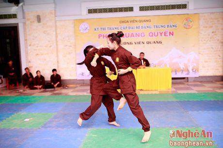 Gan 200 vo sinh mon phai Phat Quang Quyen thi len dai tai Nghe An - Anh 2