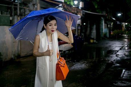Day co phai la cach Le Quyen thanh cong voi cac 'sieu pham album': Thu am luc nua dem! - Anh 9
