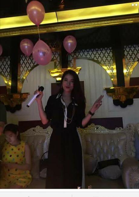 Xon xao nghi van Ngoc Khanh hen ho 'dan chi' Truong Ngoc Anh - Anh 5