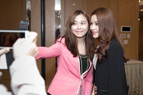 Hau WebTVAsia Awards, Chi Pu duoc truyen thong chau A 'vay kin' - Anh 10