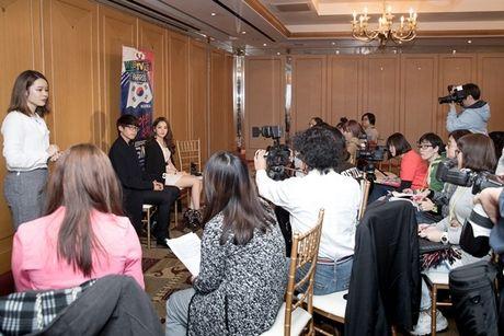 Hau WebTVAsia Awards, Chi Pu duoc truyen thong chau A 'vay kin' - Anh 6