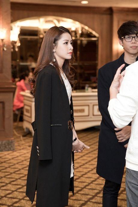 Hau WebTVAsia Awards, Chi Pu duoc truyen thong chau A 'vay kin' - Anh 9