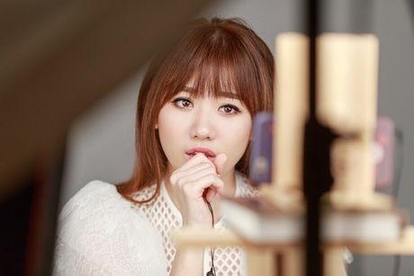 Hari Won lan dau hat live 'Yeu khong hoi han', tiet lo se som tung hit moi - Anh 5