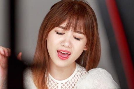 Hari Won lan dau hat live 'Yeu khong hoi han', tiet lo se som tung hit moi - Anh 7