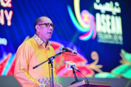Viettel duoc vinh danh tai Asean ICT Awards 2016 - Anh 2