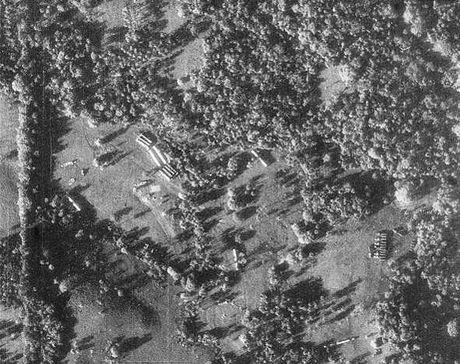 Fidel Castro va cuoc khung hoang ten lua nam 1962 - Anh 1