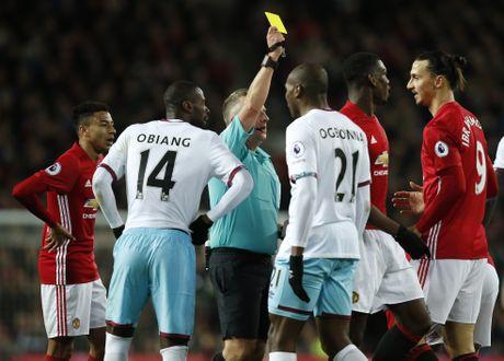 Old Trafford - noi chap canh cho nhung thu mon vo danh - Anh 5