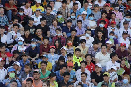 Nghin nguoi xem dua xe tren 'chao lua' Cao Lanh - Anh 2