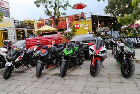 Hang chuc moto va sieu xe tap trung o Sai Gon - Anh 2