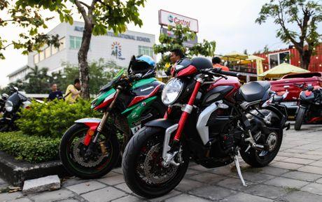 Hang chuc moto va sieu xe tap trung o Sai Gon - Anh 3