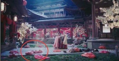 Loi ngo ngan trong 'Cam tu Vi Uong' cua Duong Yen - Anh 4