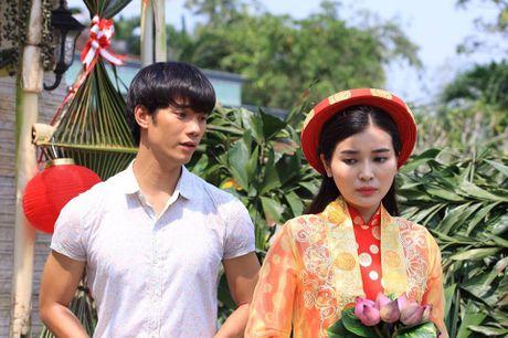 Nhan Phuc Vinh ngan can Cao Thai Ha lay chong trong phim - Anh 1