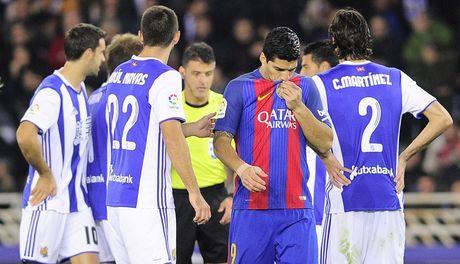 Trong tai ra tay, Barca thoat thua o dia nguc Anoeta - Anh 1