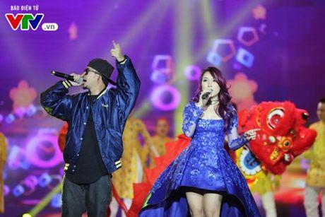 My Tam hua gui thiep moi cuoi cho Lai Van Sam dau tien - Anh 10