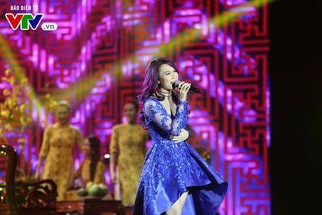 My Tam hua gui thiep moi cuoi cho Lai Van Sam dau tien - Anh 8