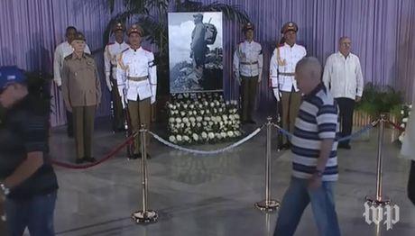 Nguoi dan Cuba tien biet lanh tu Fidel Castro - Anh 2