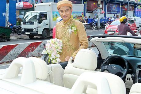 Sieu xe mui tran, qua cuoi tram trieu trong dam cuoi em nuoi Hoai Linh - Anh 8