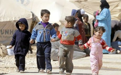 500.000 tre em Syria dang song trong nhung khu vuc bi bao vay - Anh 1