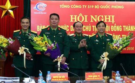 Ong Phung Quang Hai thoi chuc Chu tich Tong cong ty 319 - Anh 1