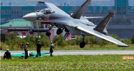 Bi mat he thong giup Su-35 thoat hiem than ki - Anh 1