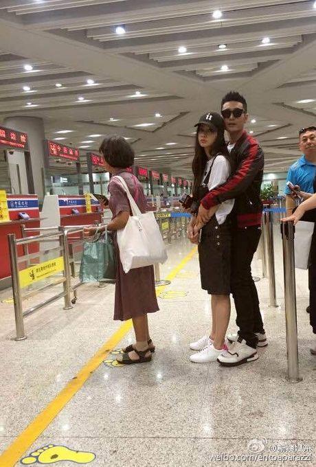 Fan buc vi cach cham vo bau doi lap cua Huynh Hieu Minh va Hoac Kien Hoa - Anh 9