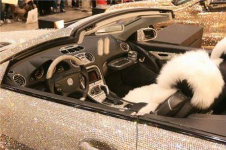 Loa mat Mercedes-Benz SL 600 kim cuong gia 109 ty dong - Anh 11
