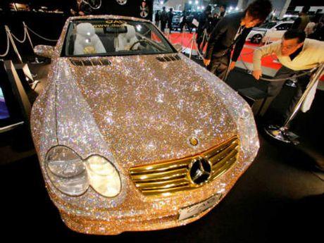 Loa mat Mercedes-Benz SL 600 kim cuong gia 109 ty dong - Anh 1