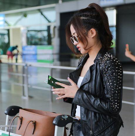 Midu kin dao do dang DJ Trang Moon sexy tai san bay - Anh 6