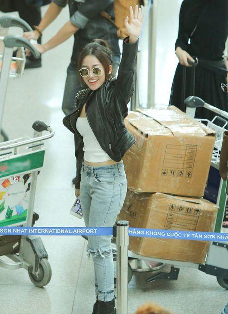 Midu kin dao do dang DJ Trang Moon sexy tai san bay - Anh 7