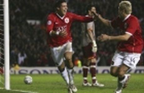 Man Utd phung phi co hoi, chi Mourinho la lanh du - Anh 5