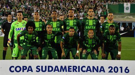 Truoc khi roi may bay, Chapecoense Real tung tao nen ky tich tai Brazil - Anh 1
