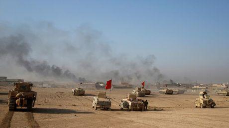 Chien su Mosul giua vung do thi qua anh - Anh 11