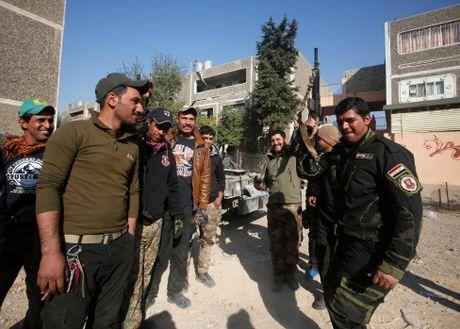 Chien su Mosul giua vung do thi qua anh - Anh 13