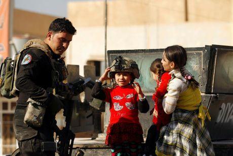 Chien su Mosul giua vung do thi qua anh - Anh 14
