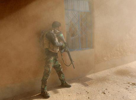 Chien su Mosul giua vung do thi qua anh - Anh 6