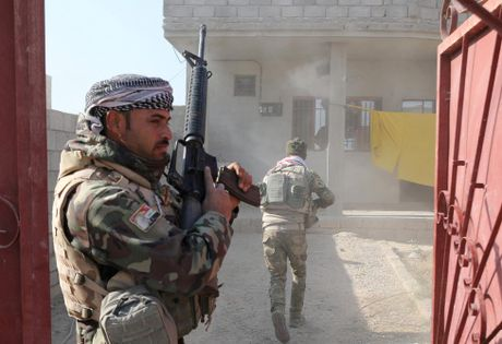 Chien su Mosul giua vung do thi qua anh - Anh 9