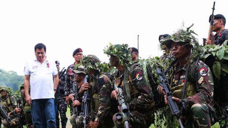 Tong thong Duterte muon mua vu khi cua Nga - Anh 2