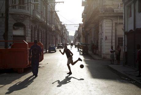 Khoanh khac cuoc song doi thuong song dong o Cuba - Anh 2