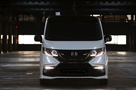 Honda StepWGN Modulo X - MPV gia dinh gia 790 trieu - Anh 2