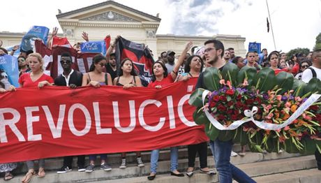 Nguoi dan Cuba vinh biet Lanh tu Fidel Castro - Anh 2