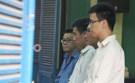 An chung than cho giam doc lua dao hon 420 ty dong - Anh 1