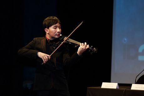 Nghe si Linh Nga se mua trong Live Concert cua nghe si violon 9X Hoang Rob - Anh 1