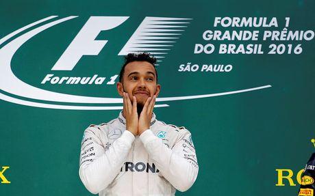 Duong dua F1: Tro ban bat thanh cua Lewis Hamilton - Anh 1