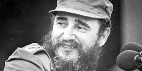 Chu tich Quoc hoi Nguyen Thi Kim Ngan vieng lanh tu Cuba Fidel Castro - Anh 4