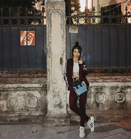Cach chup anh street style trong bong toi dep nhu Quynh Anh Shyn - Anh 5