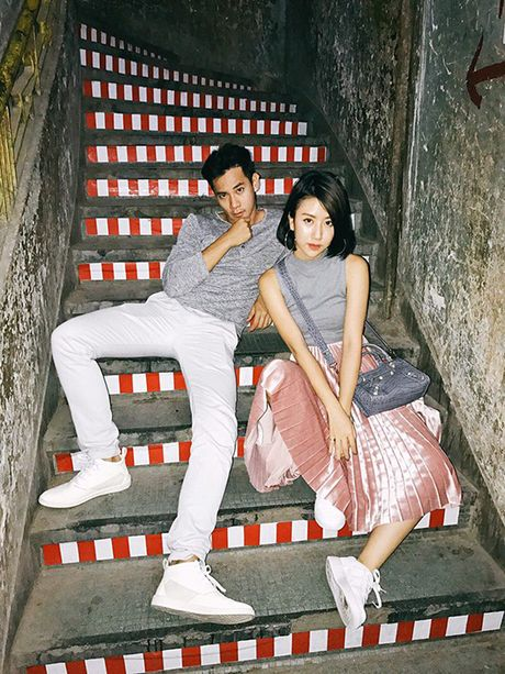 Cach chup anh street style trong bong toi dep nhu Quynh Anh Shyn - Anh 9