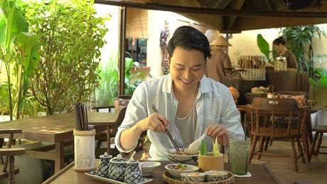 Chan song canh sang chanh, Quang Vinh trai nghiem mot Sai Gon binh dan - Anh 8